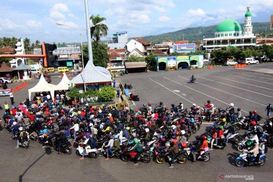 Pemudik asal Bali tiba di Pelabuhan Ketapang