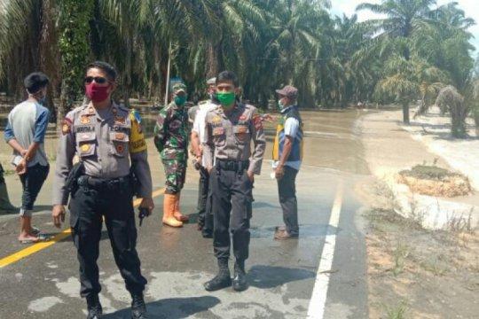 Banjir genangi poros Trans Sulawesi di Pasangkayu
