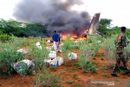 Pesawat kargo berisi logistik COVID-19 jatuh di Somalia