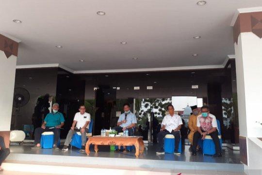 Pasien positif COVID-19 di Batam sempat Tarawih dan bagi sembako
