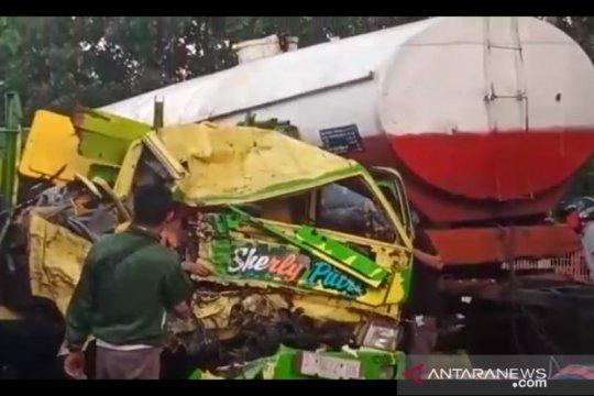 Polisi selidiki kecelakaan beruntun sebabkan 2 tewas di Probolinggo