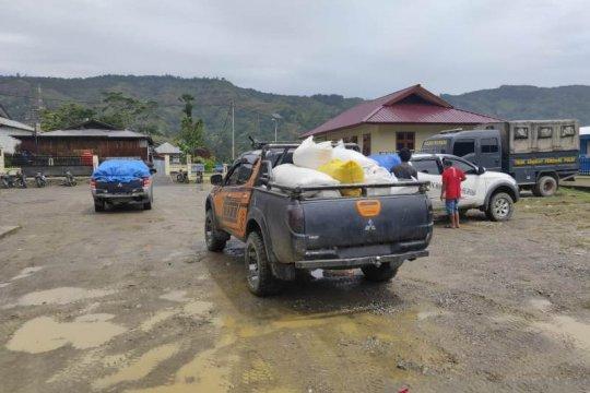 Legislator Tolikara-Papua kawal langsung pendistribusian bansos