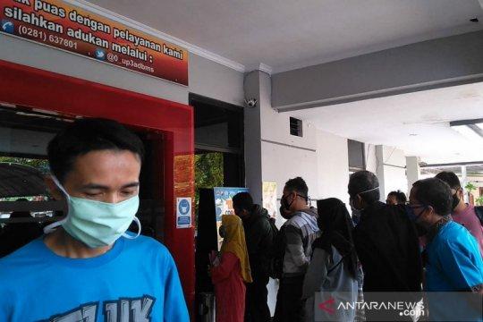 Warga keluhkan Samsat Purwokerto tidak terapkan protokol kesehatan
