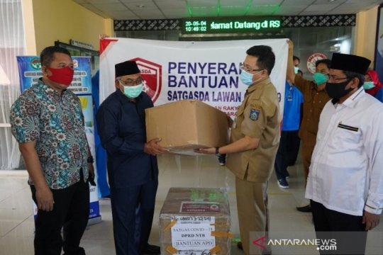 Enam rumah sakit dibantu APD Satgas COVID-19 DPRD NTB