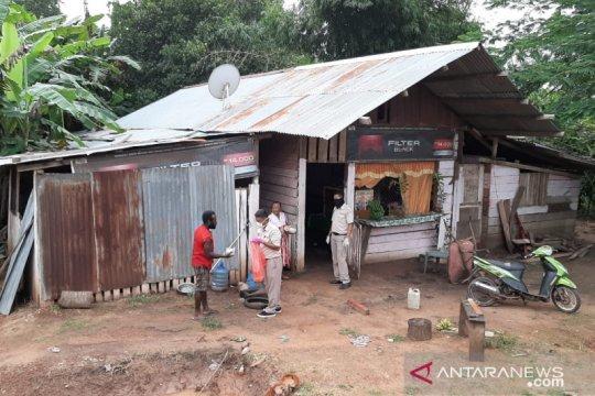 KKP bagikan makanan di perbatasan Indonesia-Papua Nugini