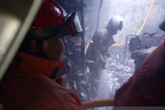 Gudang minimarket di Kalideres ludes dilalap api