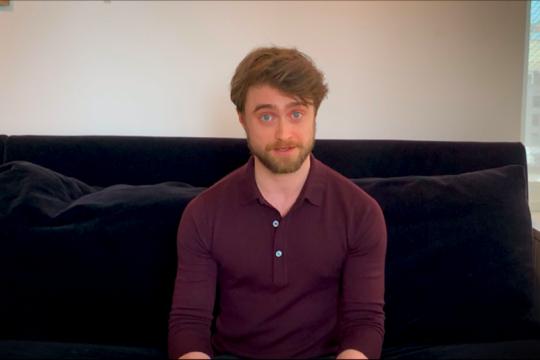 "Daniel Radcliffe hingga Eddie Redmayne bacakan buku ""Harry Potter"""