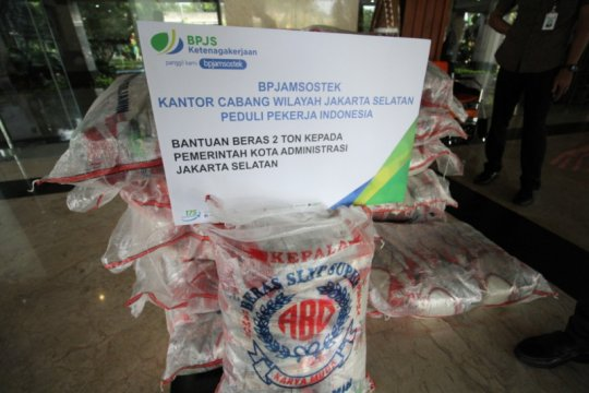 BPJamsostek bantu dua ton beras ke Pemkot Jaksel