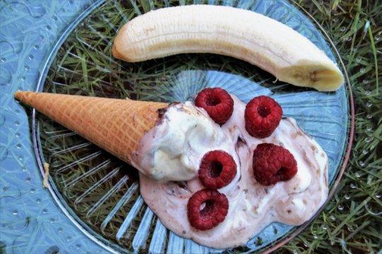 Menu Ramadhan - Es krim pisang dengan selai kacang
