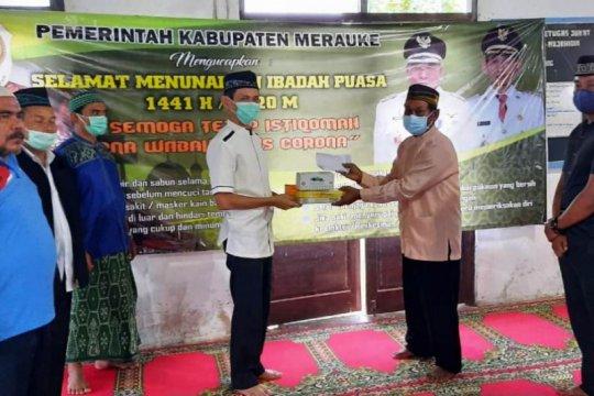 Safari Ramadhan Wabup Merauke-Papua bantu APD masker untuk warga