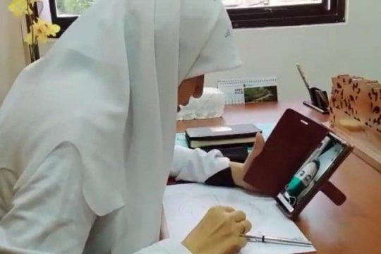 Warga tak mampu di Surabaya berstatus PDP keluhkan biaya swab