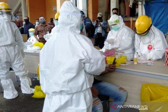 Pemkot Bogor lakukan tes swab di Pasar Kebon Kembang