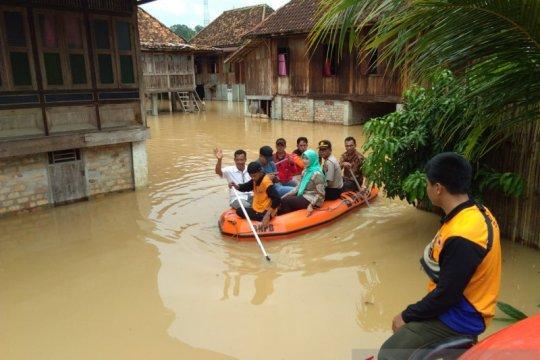 BPBD OKU Selatan evakusi korban terdampak banjir bandang