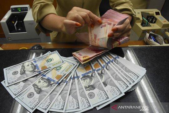 Rupiah ditutup melemah seiring deflasi Agustus