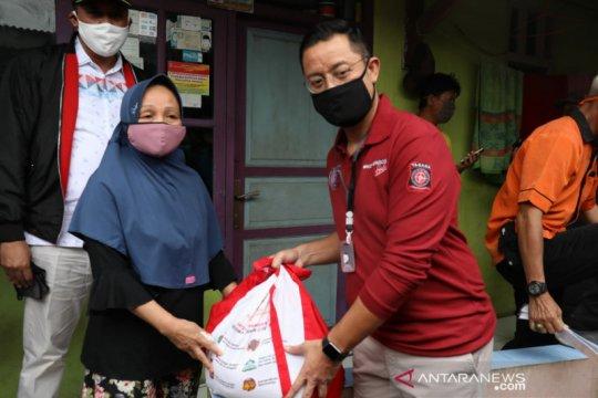 Mensos apresiasi penempelan stiker di rumah penerima bansos di Bekasi