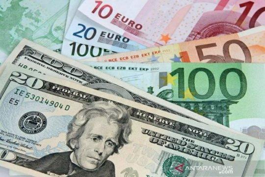 Dolar melambung, ditopang data pekerjaan di AS
