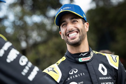Ricciardo terbuka matanya soal rasisme menyusul komentar Hamilton