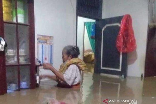 Banjir rendam 15 desa di Pidie Jaya, satu rumah terbawa arus