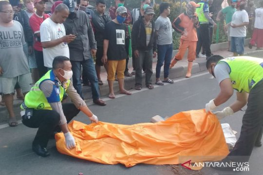 Seorang wanita tewas di tempat dalam kecelakaan di Tambora