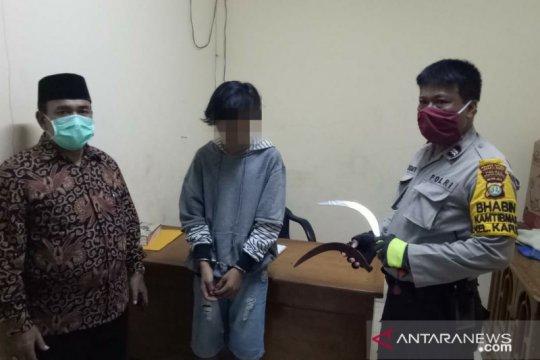 Polisi amankan remaja membawa senjata tajam di Kapuk
