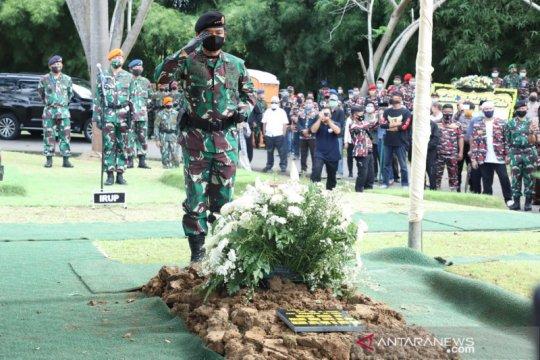TNI berkabung, kibarkan bendera setengah tiang selama sepekan