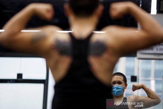 Warga Beijing kembali berolahraga di gym setelah wabah COVID-19
