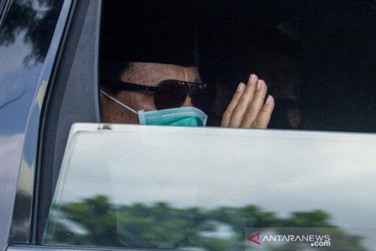 Prabowo dan Anies hadiri pemakaman Djoko Santoso