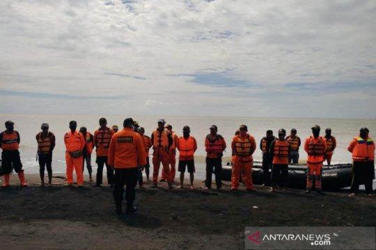 Tiga pencari ikan ditemukan meninggal dunia usai diterjang ombak