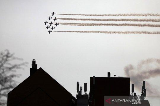"""Aksi tim aerobatik """"snowbird"""" untuk menghormati pejuang COVID-19 di Kanada"""