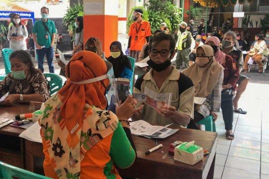 BLT untuk keluarga sasaran di Yogyakarta disalurkan Selasa (12/5)