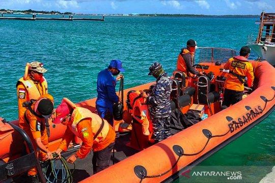Kapal ikan rute Jateng-Maluku terbakar di perairan Wakatobi