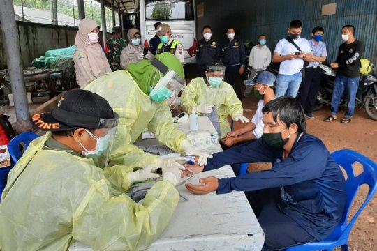 Tiba di Tanjungpinang, KKP pastikan 40 WNA Vietnam dalam kondisi sehat