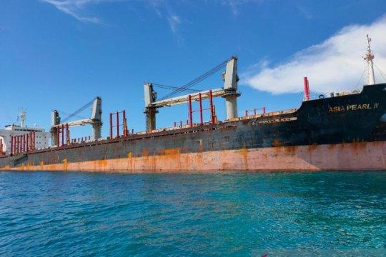 Kapal kargo berbendera Singapura kandas di perairan Belitung
