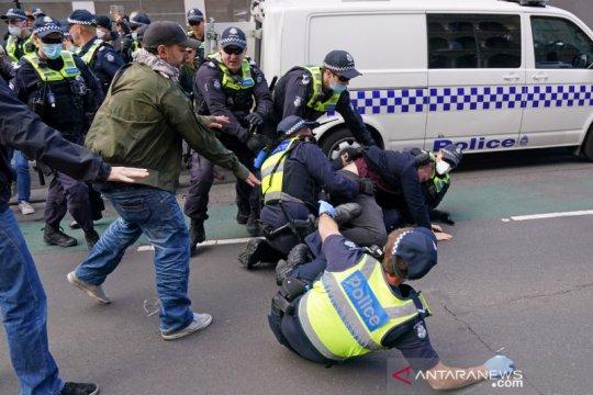 Warga membandel, polisi Victoria tingkatkan patroli COVID-19