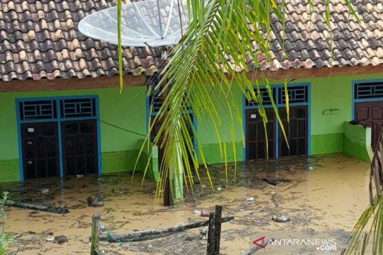 1.300 KK terdampak banjir bandang Ogan Komering Ulu Selatan