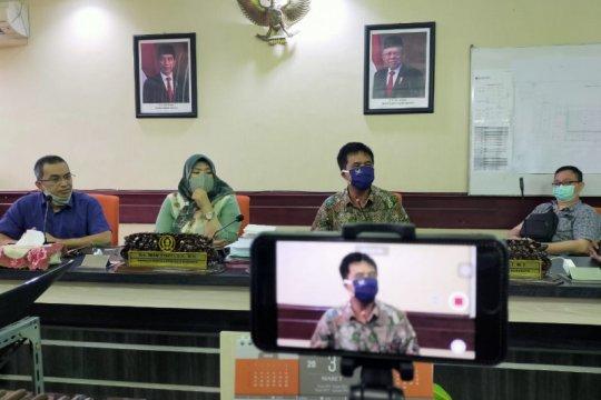 "Sejumlah anggota DPRD Surabaya bentuk ""hotline"" pengaduan COVID-19"