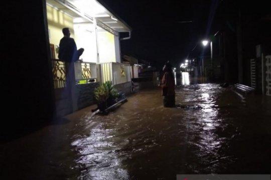 Puluhan rumah di perumahan Asabri Kabupaten Kediri terendam banjir
