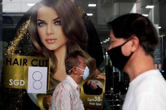 Singapura berencana lengkapi warga dengan alat pelacak kontak corona