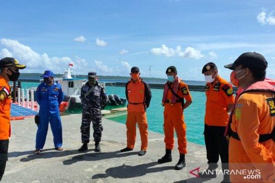 Basarnas Kendari evakuasi empat korban selamat kapal ikan terbakar