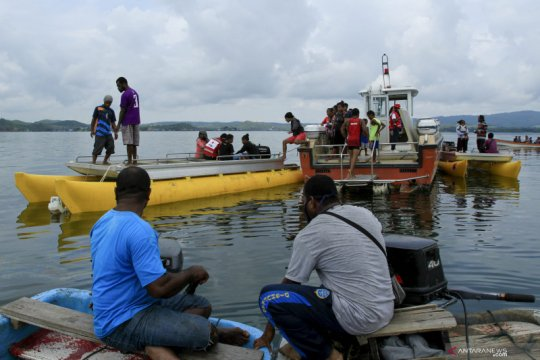 Pesawat jatuh di Danau Sentani