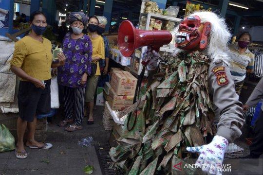 Cara unik polisi Bali sosialisasi cegah COVID-19