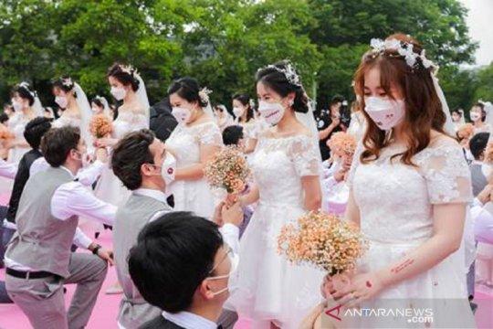 Pernikahan massal di markas Alibaba tetap digelar di tengah pandemi
