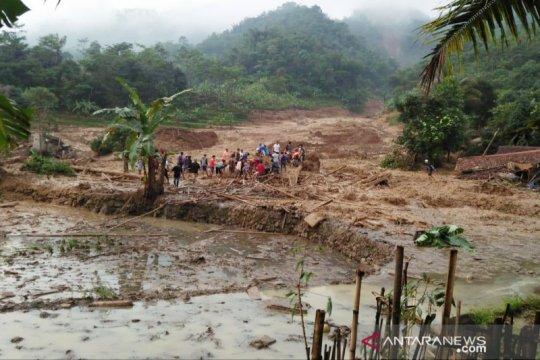 Banjir-longsor di Bogor puluhan rumah terendam dan tertimbun