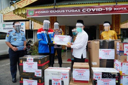 Ribuan pekerja Pertamina Dumai mulai datang, warga antisipasi COVID-19