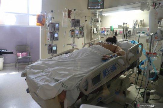 Perawatan pasien penderita COVID-19 di AS