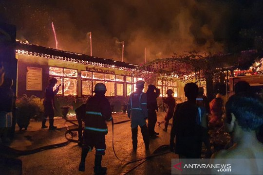 SMPN 7 Pekanbaru ludes terbakar saat libur PSBB