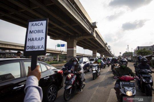 Pemeriksaan keluar-masuk Jakarta dilakukan di 12 titik