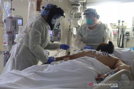 Jumlah pasien COVID-19 di rumah sakit AS memuncak