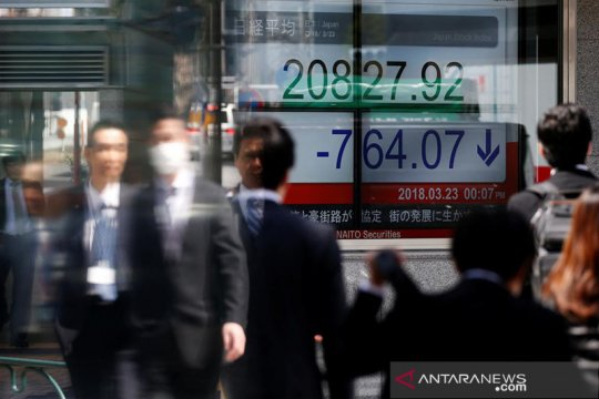 Nikkei berakhir turun namun raih kenaikan bulanan terbesar 27 tahun