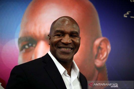 Holyfield ikuti Mike Tyson unggah video latihan